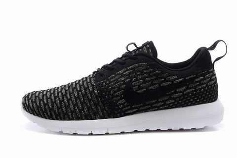 Nike Roshe Running Shoes Black And White
